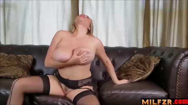 Prude Mom Gets An Orgasm