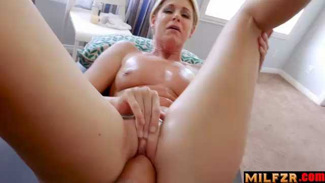 India Summers Stuffing Mom Like A Turkey