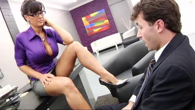 Big boobs Milf Lisa Ann – She's The Boss (29.07.2009)