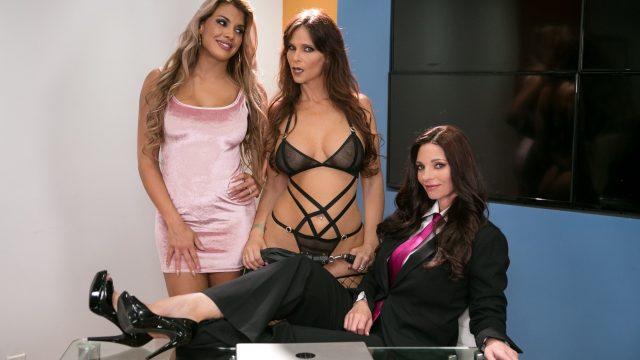 Lesbian threesome – Mindi Mink Syren De Mer Mercedes Carrera