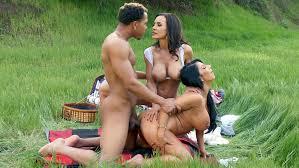 Milf Lisa Ann Raven Hart threesome sex in public park