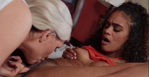Alena Croft Lesbian Sex Scene With Scarlit Scandal