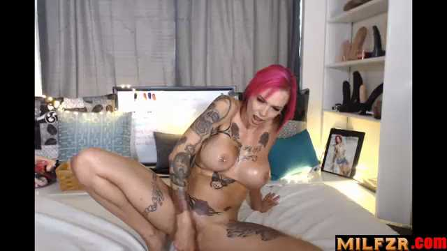 Anna Bell Peaks – Mom Needs The D