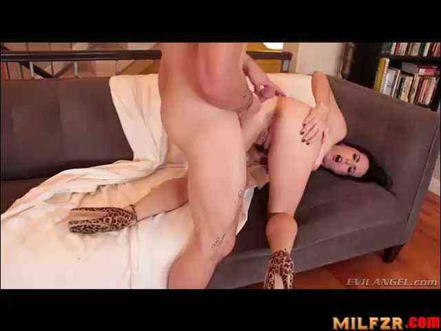 Slutty mom scene 01