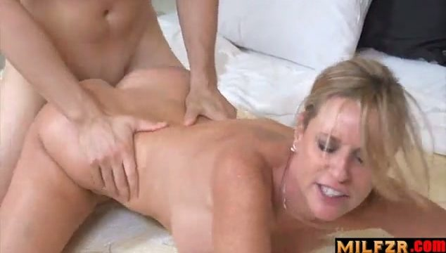 Aunts in my pants scene 01
