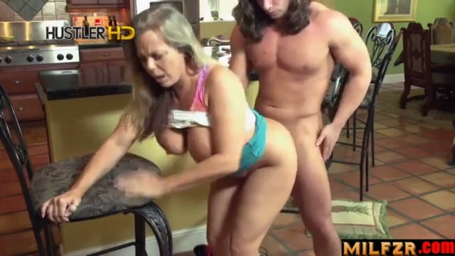 Stepmom sucked my balls part 01