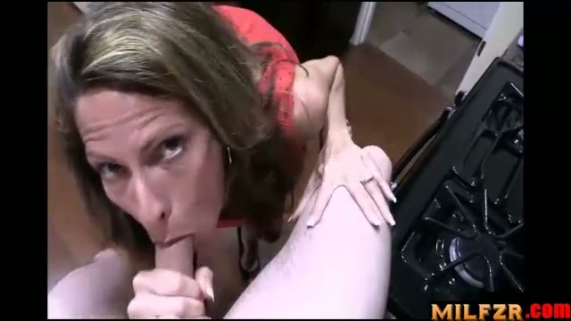 Mom's blackmail blowjob